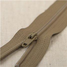 Fermeture fine Polyester N°2 couleur bronze Alezan