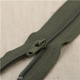 Fermeture fine Polyester N°2 couleur Kaki 1