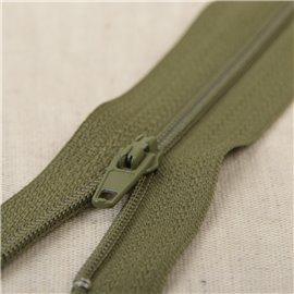 Fermeture fine Polyester N°2 couleur Kaki 2