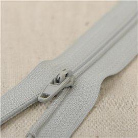 Fermeture fine Polyester N°2 couleur gris mer du nord