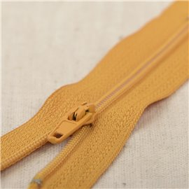 Fermeture fine Polyester N°2 couleur Ocre blé