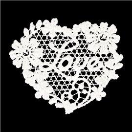 Lot de 3 écussons thermocollants dentelle élégant coeur love 4,5cm x 3,5cm