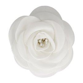 Broche fleur pistils blanc