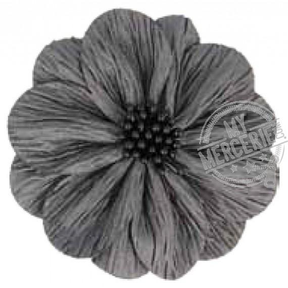 Fleur coquelicot gris foncé sur broche