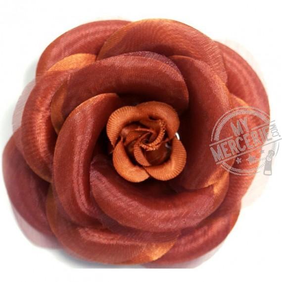 Broche fleur camélia orange